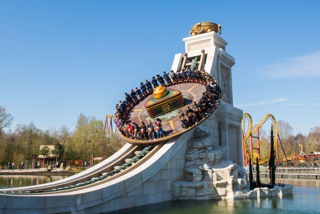 Asterix park uno de los mejores parque de atracciones del mundo. dentro del top 10