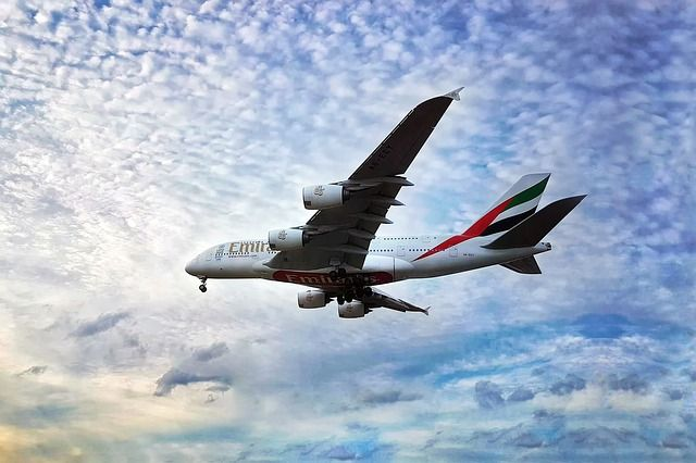 aeropuerto de Dubai como llegar barato
