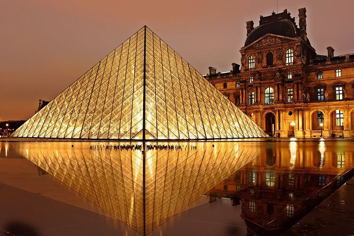 museo del Louvre ahorra y viaja