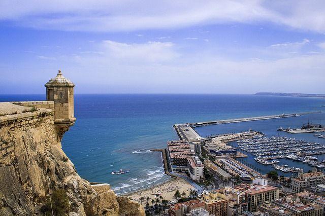 que ver en Alicante, Castillo De Santa Barbara.